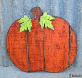 6a35db2c8d1d23f84952215fa8c27eee--halloween-pallet-fall-halloween